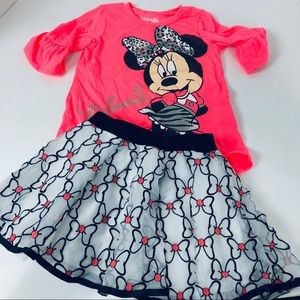 Size 5T girls Minnie Mouse Disney now outfit